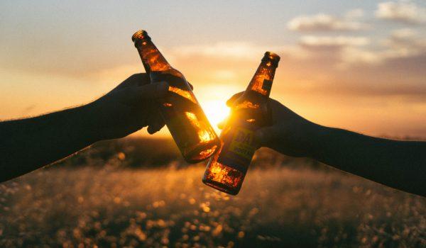 trakteer burgemeester jansen op een biertje